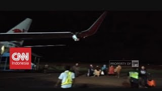 Download Video Breaking News! Pesawat Lion Air Senggol Tiang Bandara Bengkulu, Ini Penuturan Saksi Mata MP3 3GP MP4