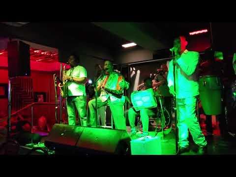La Nema Y El Toto - Maestro Pedron Rumba Deluxe Bar & Lounge