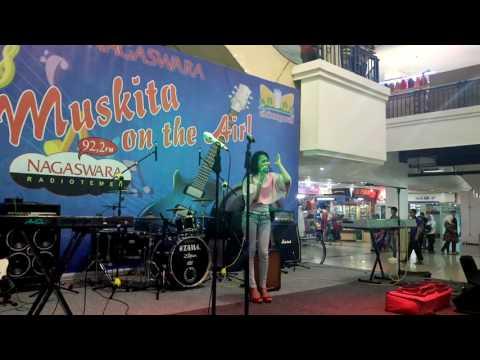Yuandari Live Musikita Nagaswara FM Cibinong Mall