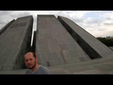 Памятник геноцида в Ереване