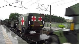 7801次貨物列車通過石龜車站