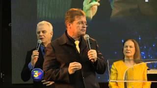 """""""No mires alrededor, la bendición está lista para ti"""" Pastor Aluizio De Moraes"""