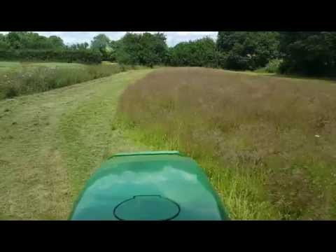Topping at Rockland St Mary 2015 with the John Deere 4600