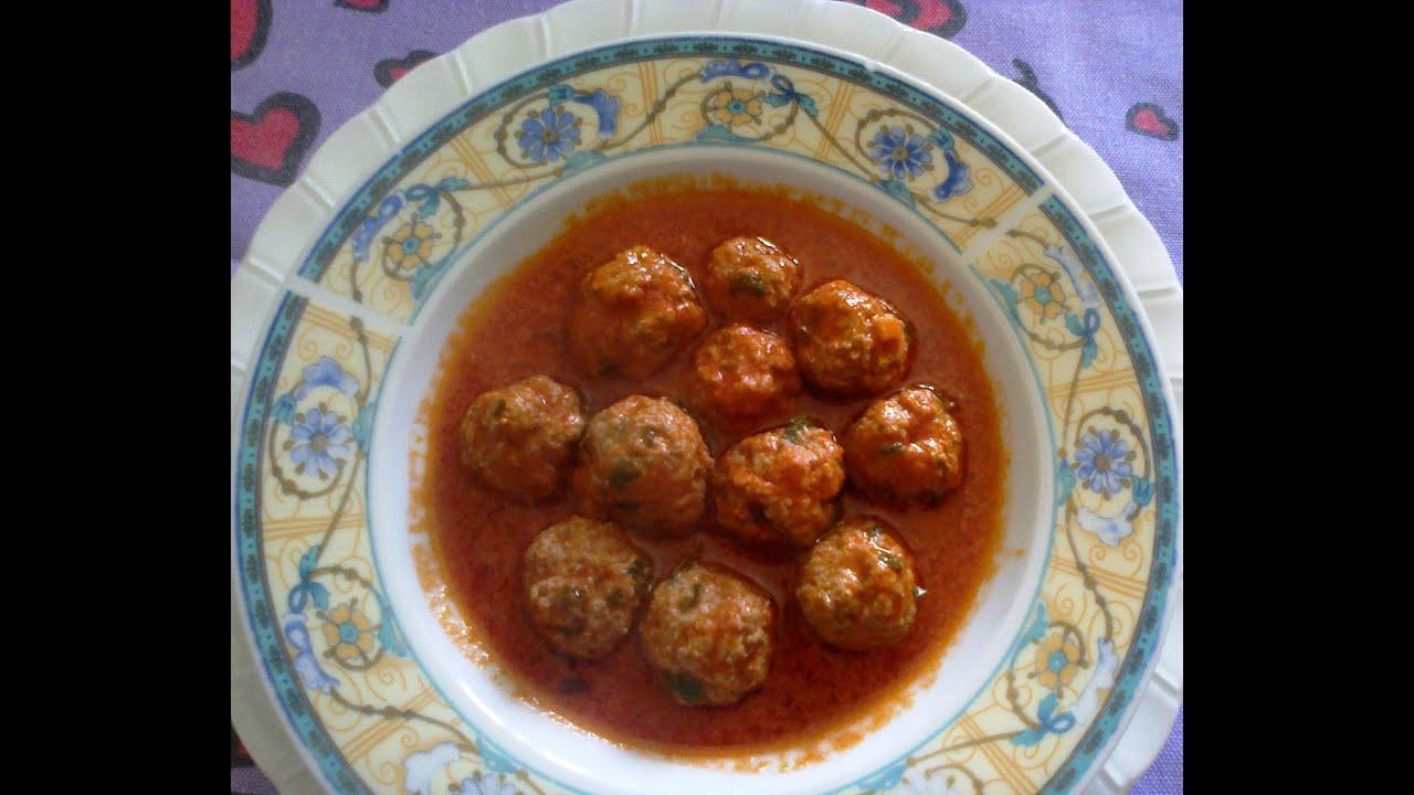 Фрикадельки в томатном соусе.Итальянская кухня