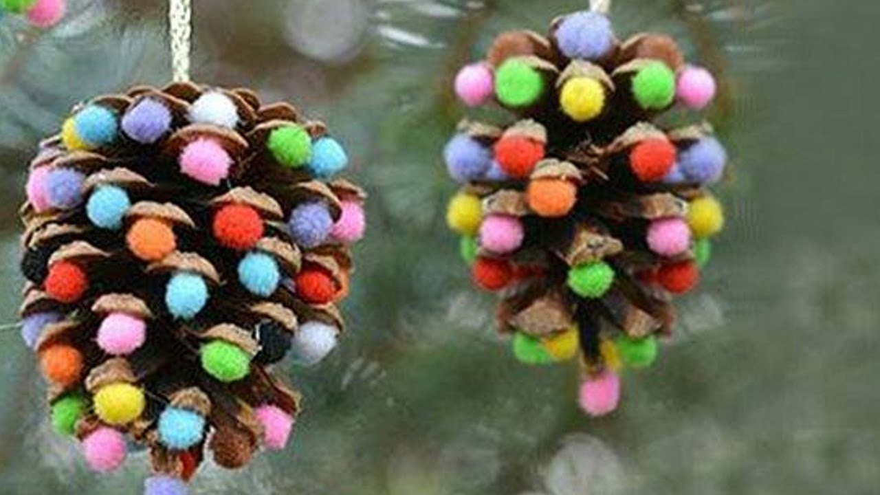 Manualidades para navidad esferas con pi as de pino youtube - Adornos para navidad con pinas ...