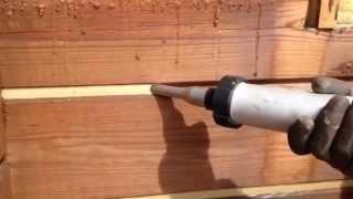 Герметизация  швов деревянного дома(Краткое видео по нанесению герметика на межвенцовые швы деревянного дома., 2013-06-27T01:52:59.000Z)