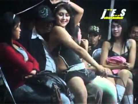 YouTube - Mela Barbie Bunga Hati.flv