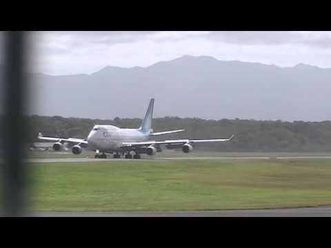 747-400 F-GTUI Corsair International land at Guadeloupe