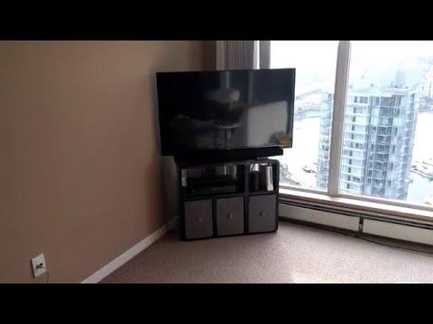 Cách đặt TV ở góc và tiết kiệm không gian