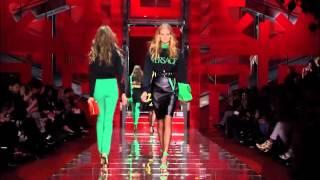 Versace Cruise 2020   The girls