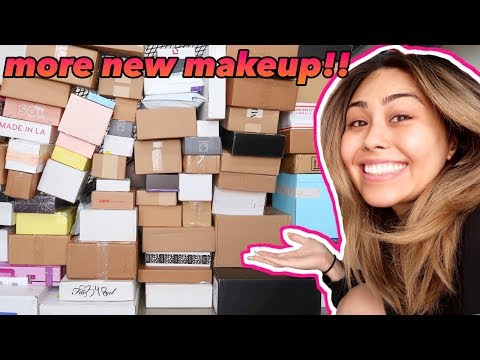 ANOTHER HUGE PR UNBOXING HAUL! New Makeup Fall 2019 | Roxette Arisa