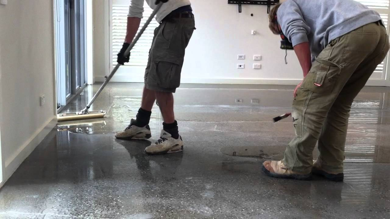 Applying Epoxy Resin Onto Concrete Flooring 2nd Coat YouTube