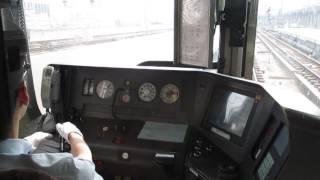 新快速電車に乗車してびっくり! この運転手さんはブレーキ緩解前にノッ...