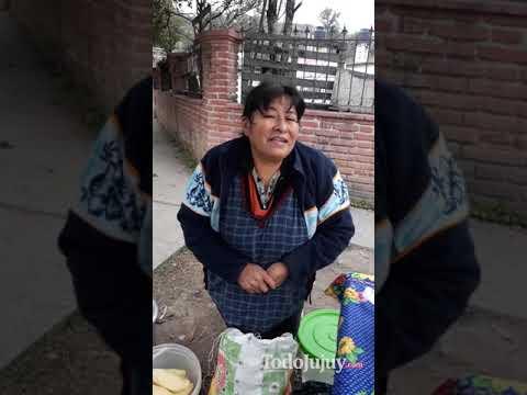 Aprovechan las elecciones para vender comida al frente de una escuela en Reyes