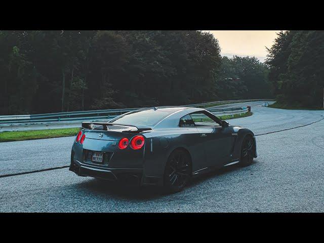 Toto auto je SEN! NISSAN GT-R