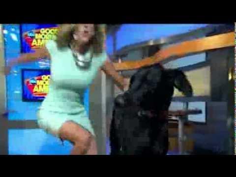 Lara Spencer  leg closeup and uncrosses legs  Good Morning America