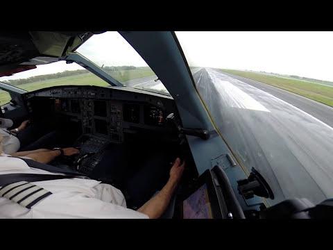 Scandinavian A340 landing at LIRF RWY 16L