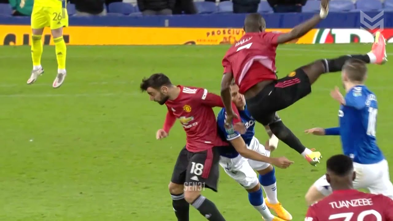 Download Horror Fights & Red Cards Moments in Football #2