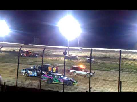 B MOD RACE CAR START UP @ CLAY COUNTY SPEEDWAY