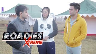 Roadies Xtreme   Sandy Flirts With Sonu