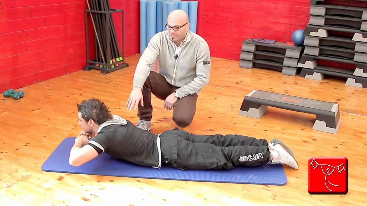 Come sviluppare i muscoli lombari e della schiena - Come fare una palestra in casa ...