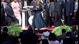 Dorinda Clark Cole - If God Made You a Promise - Part 2