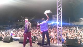 Repeat youtube video Mr Saik Meneando la Cintura Show