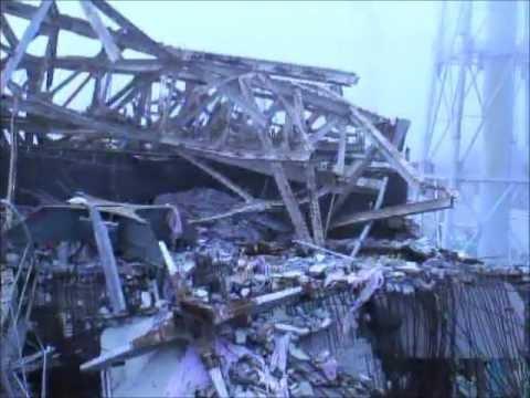Fukushima I Nuke Plant Reactor 3 Operating Floor (7/5/2012) - 1/4