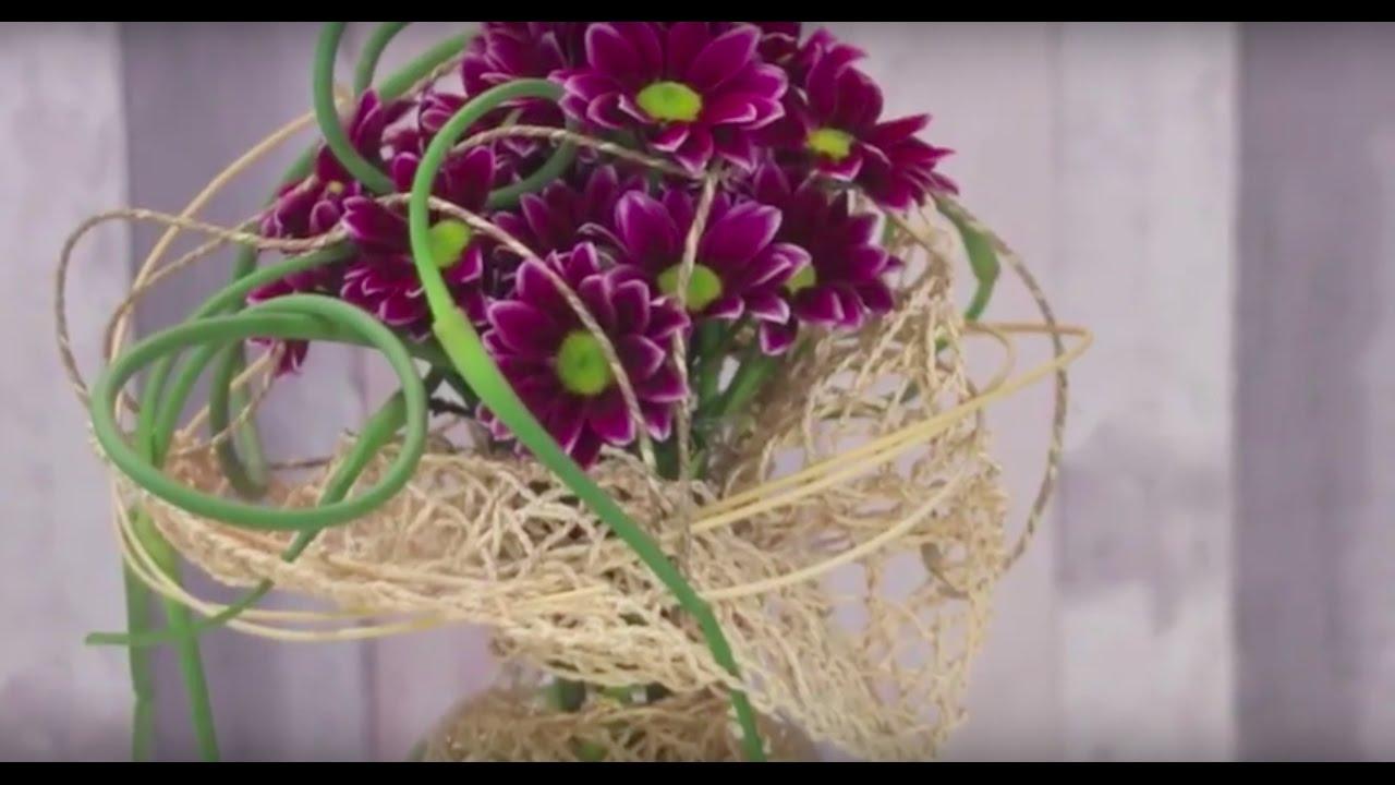 Chrysanthemum Vase Design By Pim Van Den Akker Flower Factor How To Make Flower Arrangement