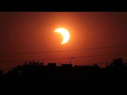 How an eclipse affects weather, power grids