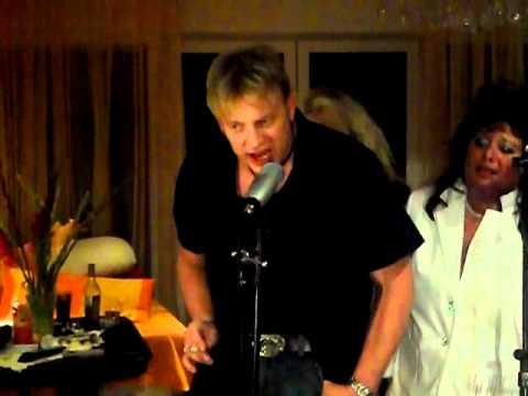 """Ralph Queen """"Crazy little thing called Love"""" Karaoke"""