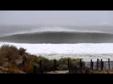 Huge Hurricane Sandy Waves