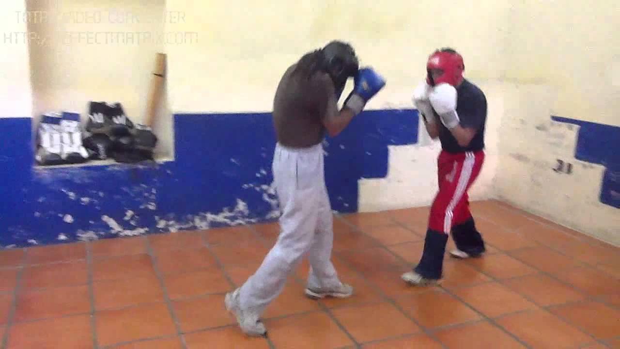 Boxeo gimnasio arena oaxaca youtube for Gimnasio arena