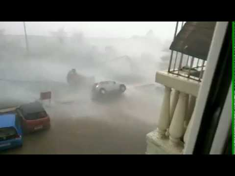 Dineo turns over cars whiel rumbling thru Mozambique