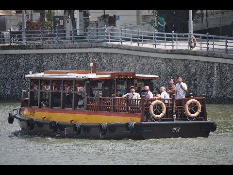 Boat trip around Marina Bay, Boat Quay and Clarke Quay, Singapore