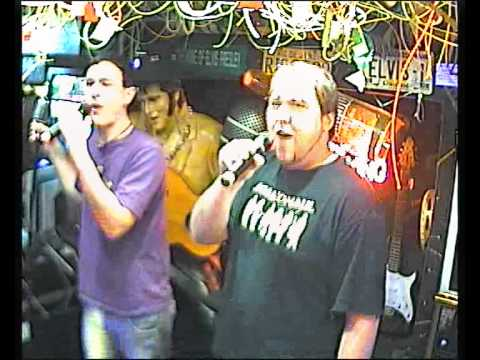 Manuel & Sylvan singen Killing in the name im Karaoke Fun Pub Stuttgart http://www.funpub.de