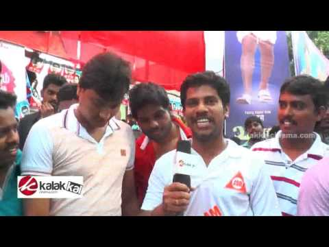 Simbu  Fans Celebrates Vaalu at Kaasi...