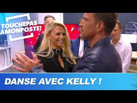 Kelly Vedovelli danse avec les chroniqueurs de TPMP