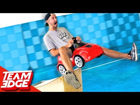 Tiny Car Race Battles!!