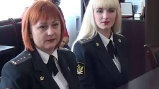 Поздравление судебных приставов у главы Белоглинского р-она