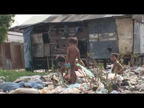 One Minute: Life in a slum - La vie dans un bidonville - Cambodia / cambodge