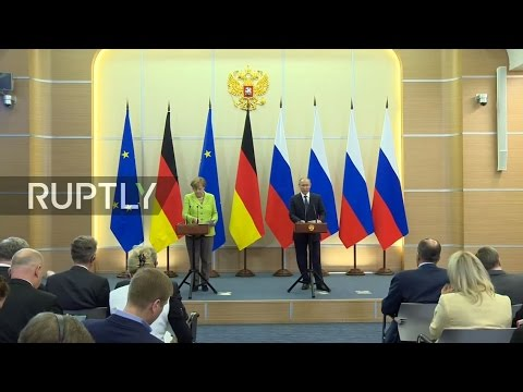 LIVE: Putin and Merkel hold joint press conference in Sochi - English