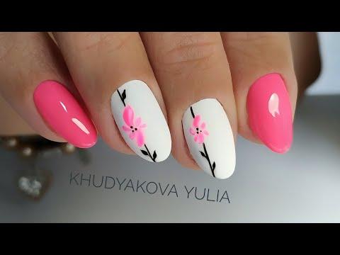 Дизайн ногтей ярких
