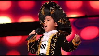 Pedrito Fernández cantó y encantó a los integrantes del jurado
