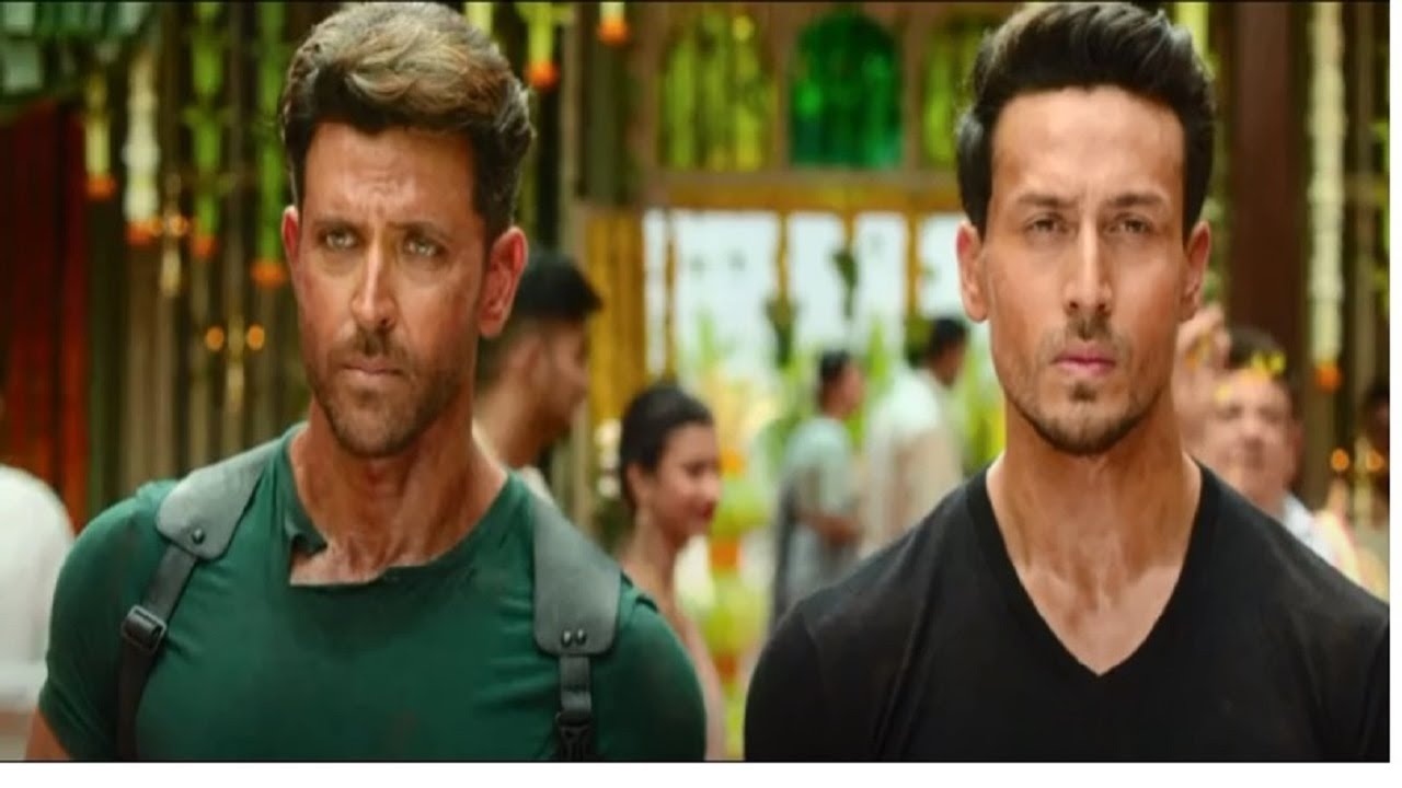 Download Entry Scene - War | Hrithik Roshan | Tiger Shroff | War Movie Scene