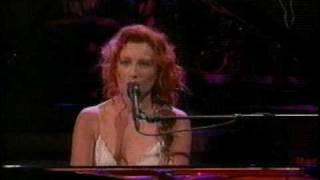 Tori Amos - Father Lucifer (w/ Tubular Bells) - David Letterman 10/04/1996