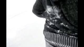 شباب يصورون الثلج ف الاردن وفجأة صار حادث