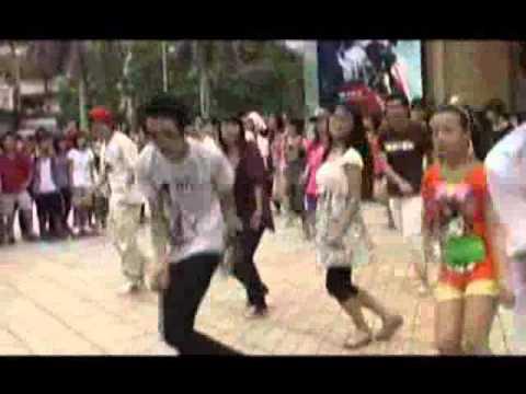 Giới trẻ ngẫu hứng với nhảy Flash Mob - ketnoisinhvien.vn