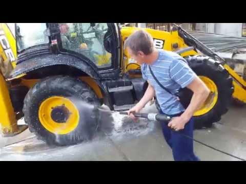 Профессиональная мойка KARCHER HD 6-16 4M - испытание на тракторе