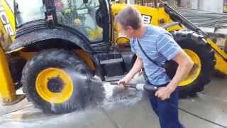 Профессиональная мойка KARCHER HD 6-16 4M - испытание на тракторе(, 2015-09-22T05:46:43.000Z)
